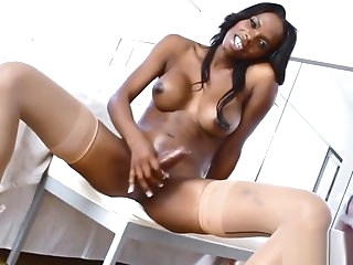 Black tranny beauty